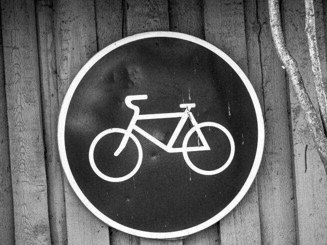 przyczyny wpyadków rowerzystów